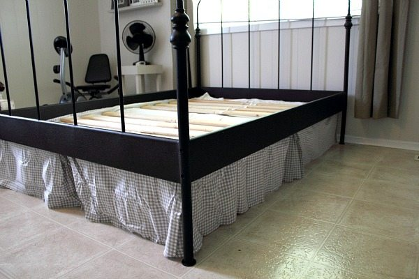 A Perfectly Skirted Bed Even When You Never Thought It Was Possible Adding The Mattress On Top Just Keeps Everything In Place Better