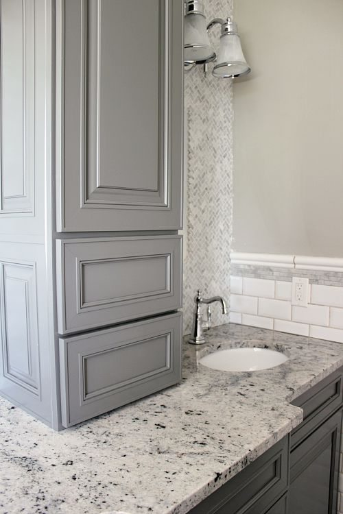 kraftmaid bathroom vanity cabinets an with me all about the new bathroom and my 19042