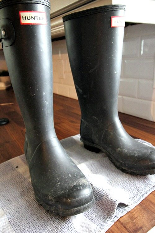 How To Clean Your Hunter Boots Easily No Matter Dirty They Are